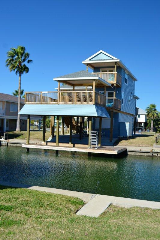 Quaint canal house in jamaica beach galveston texas listing id 23679