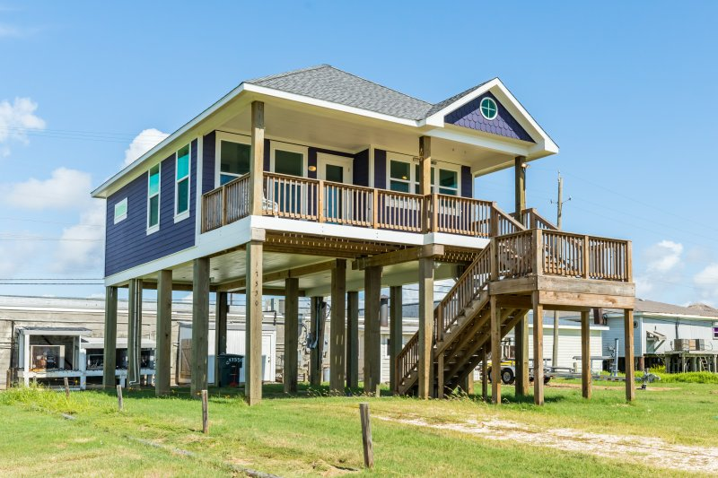 Modern Beach House With Private Deck Oceanfront Views Galveston Texas Listing Id 25963