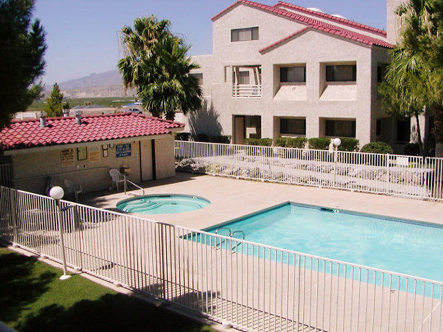 Snowbird vacation rentals by owner travels find for Laughlin cabins